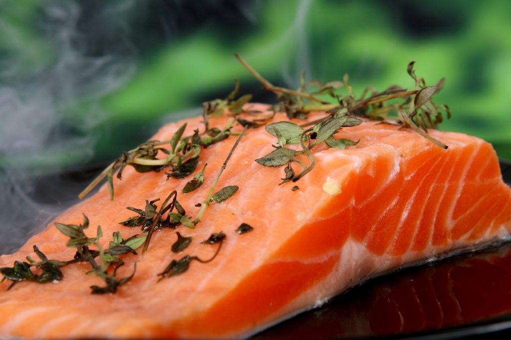 อาหารบำรุงตับ ปลาแซลมอน