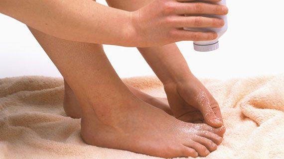 ปัญหาเท้าเหม็น แป้งโรยเท้า