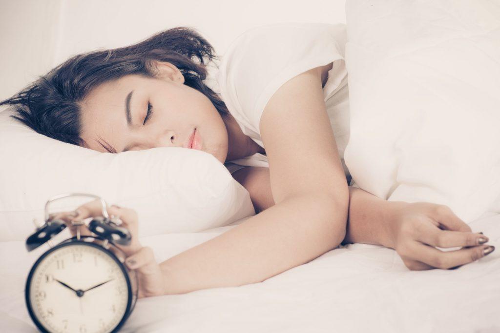 ช่วงเวลาของการนอน-การนอนที่ดีสุดก็คือ 4 ทุ่มนั่นเอง