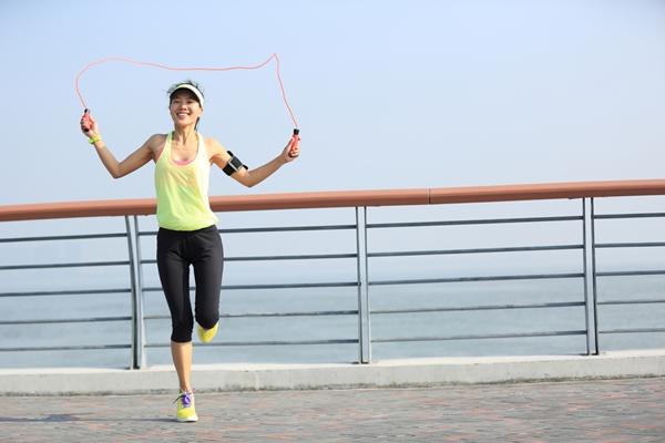 กระโดดเชือก-การออกกำลังเพื่อลดน้ำหนัก