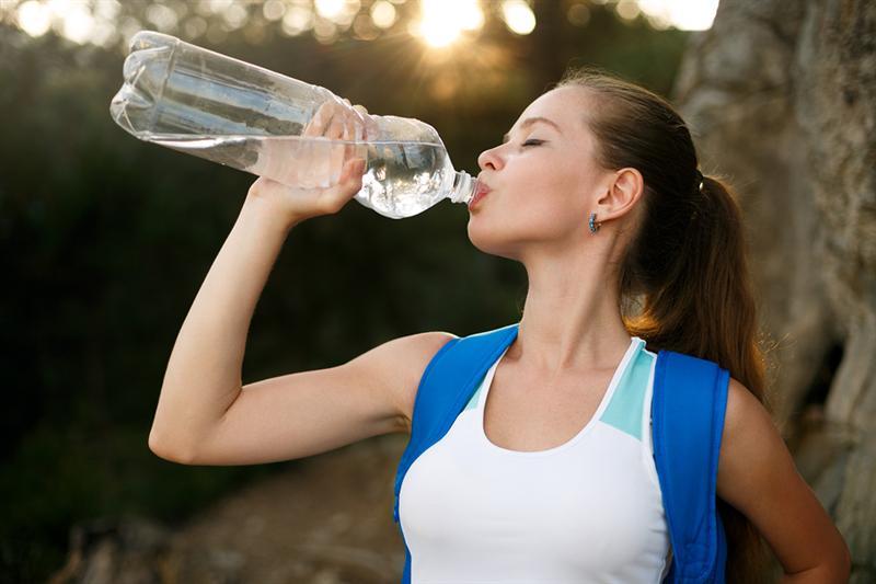 การดื่มน้ำให้ถูกวิธี - น้ำเย็นและน้ำอุ่น