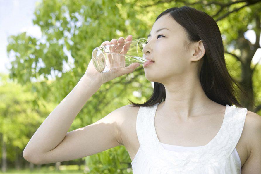 การดื่มน้ำให้ถูกวิธี